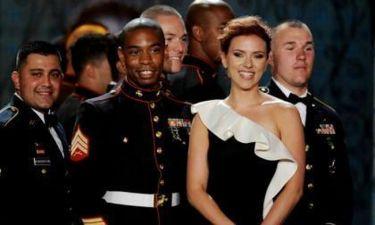 Video: Και η Johansson στον χορό των Πεζοναυτών;