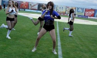 Το στριπτίζ της Νίβες Σέλσιους στο γήπεδο