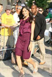 Η Freida Pinto εντυπωσιακή στο show του David Letterman