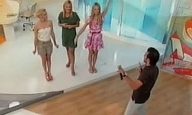 Video: Ο Θάνος Πετρέλης τραγουδούσε και η Νάντια Μπουλέ χόρευε