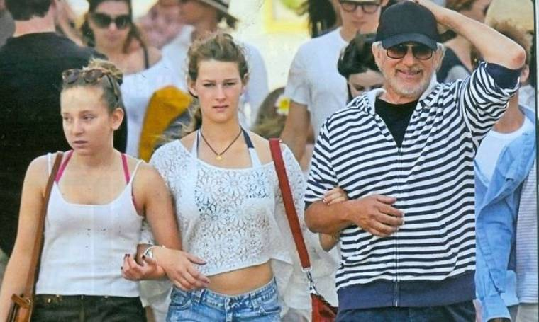 Steven Spielberg - Michelle Pfeiffer: «Ψήφισαν» Ελλάδα για τις καλοκαιρινές τους διακοπές