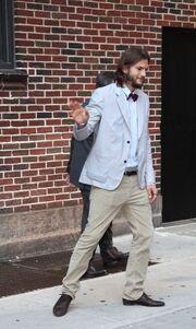 Ashton Kutcher: Με παπιγιόν στον David Letterman