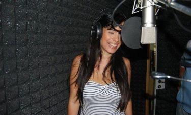 Video: Ερωφίλη Τζάνου: Το νέο της τραγούδι