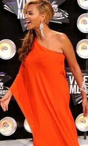 Ποια διάσημη τραγουδίστρια ανακοίνωσε ότι είναι έγκυος;