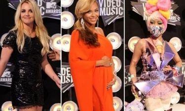 Τι φόρεσαν οι σταρ στο κόκκινο χάλι του MTV
