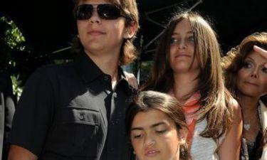 Τα παιδιά του Michael Jackson στο πατρικό του σπίτι