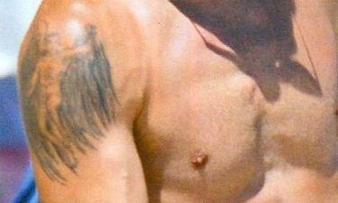 Σε ποιον γνωστό ποδοσφαιριστή ανήκει αυτό το τατουάζ;