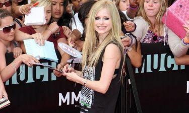 Video: Δείτε το νέο βίντεο κλιπ της Avril Lavigne