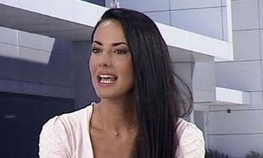 Video: Εύη Αδάμ: Διαψεύδει τις φήμες για διαζύγιο με τον Λάμπη Λιβιεράτο!