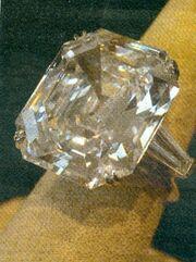 Δείτε τα κοσμήματα της Ελίζαμπεθ Τέιλορ που βγαίνουν στο σφυρί