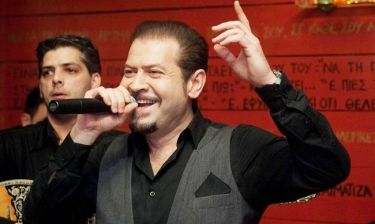 Χάρης Κωστόπουλος: «Τα περισσότερα τραγούδια μου τα έχει πει ο Βασίλης Καρράς»