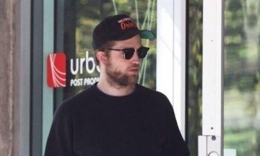 Προς τι το μούσι κύριε Pattinson;