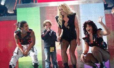 Video: Ο γιος της Britney με τη μαμά του στη σκηνή