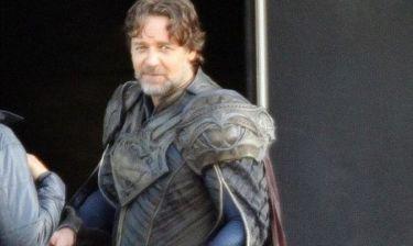 Ο Russell Crowe στα πλατό του Superman
