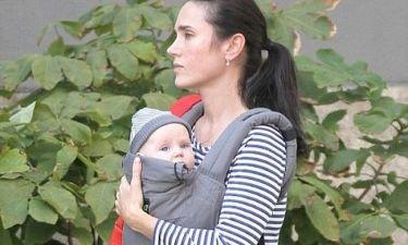 Οι βόλτες της Jennifer Connelly με την κόρη της