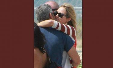 «Καυτά» φιλιά George Clooney-Stacy Keibler
