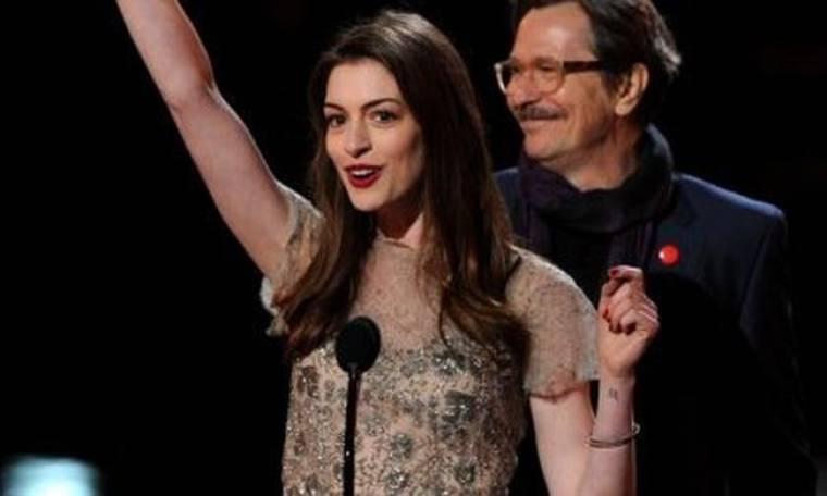 Η «Άθλια» Anne Hathaway