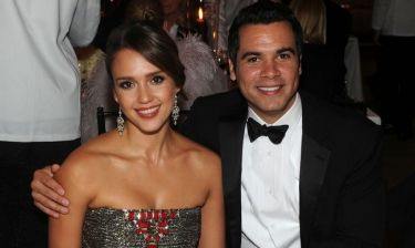 Jessica Alba: Έξοδος με τον σύζυγο σε φιλανθρωπική βραδιά