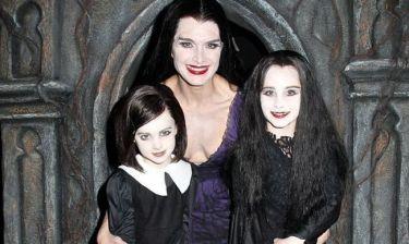 Μαμάδες και κόρες ντυμένες για το Halloween
