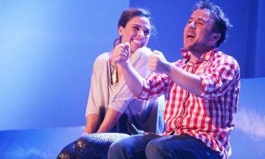 Λαμπερή πρεμιέρα στο θέατρο Αθηνά για «Το μήλο»