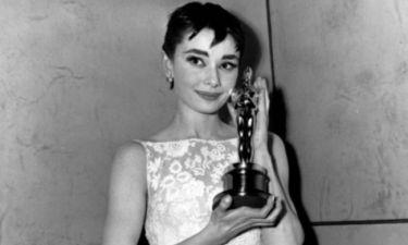 Στο σφυρί το φόρεμα της Audrey Hepburn