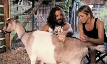 Jennifer Aniston - Justin Theroux: Love story… αρμέγοντας μια κατσίκα! (φωτό)