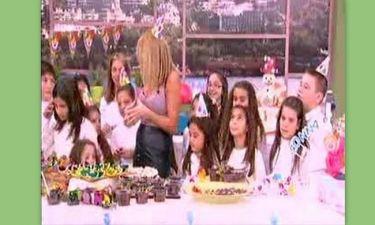 Φαίη Σκορδά: «Παιδάκια φάτε τα γλυκά γιατί θα τα φάει ο Γιώργος»  (video)