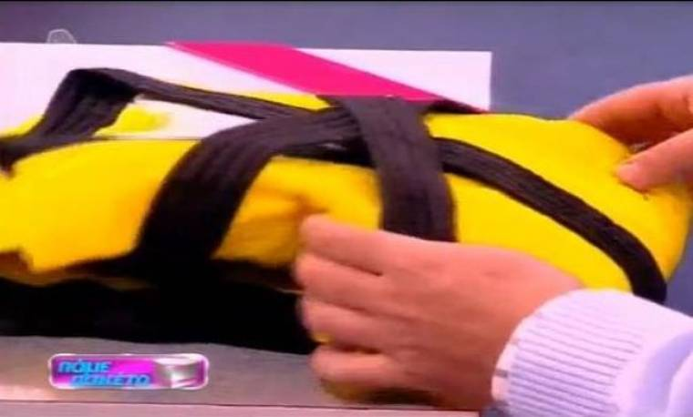 Ποιος έστειλε πακέτο ένα κίτρινο μπουρνούζι στον Γιάννη Παπαγιάννη; (video)