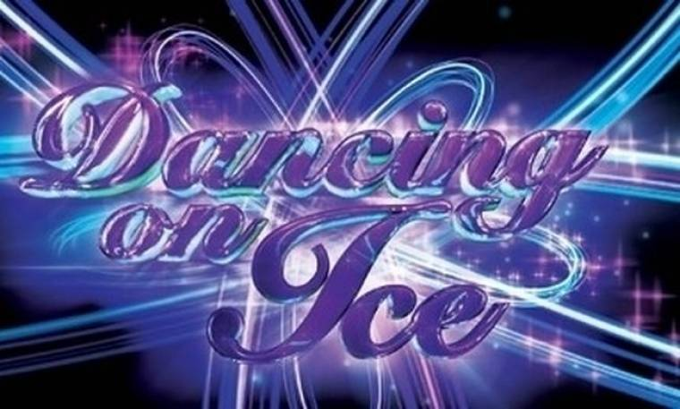 Video: Πρώτη αποχώρηση από το Dancing on Ice. Ποιος έφυγε;