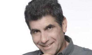 Γιάννης Μπέζος: Γιατρός  με μαυρισμένο μάτι