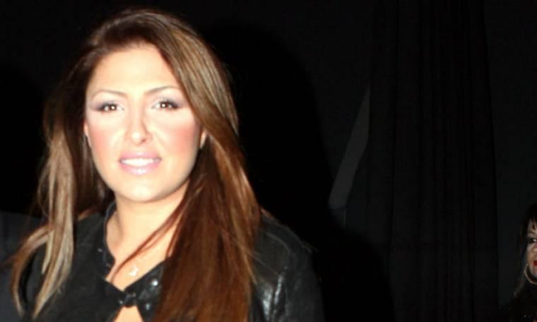 Έλενα Παπαρίζου: Best of άλμπουμ με ευχές συναδέλφων της!