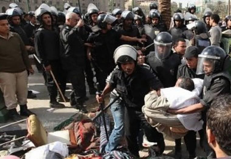 Νέες συγκρούσεις σήμερα ξέσπασαν στην πλατεία Ταχρίρ