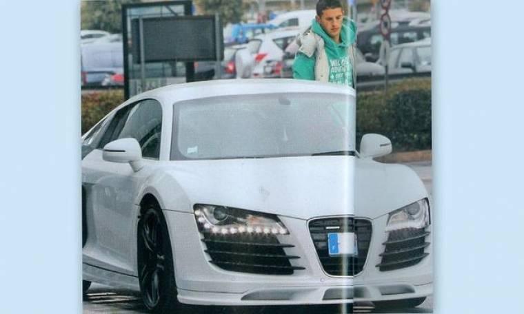 Κέβιν Μιραλάς: Έκλεψε τις εντυπώσεις με το αυτοκίνητό του στο αεροδρόμιο