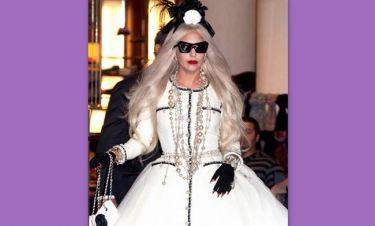 Για ποιον τραγουδιστή έβγαλε τα ρούχα της η Lady Gaga;