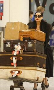 Μετακομίζει στο Λονδίνο η Dita Von Teese;