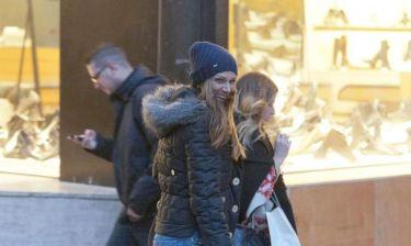 Έλλη Κοκκίνου: Βόλτα και ψώνια στο Κολωνάκι