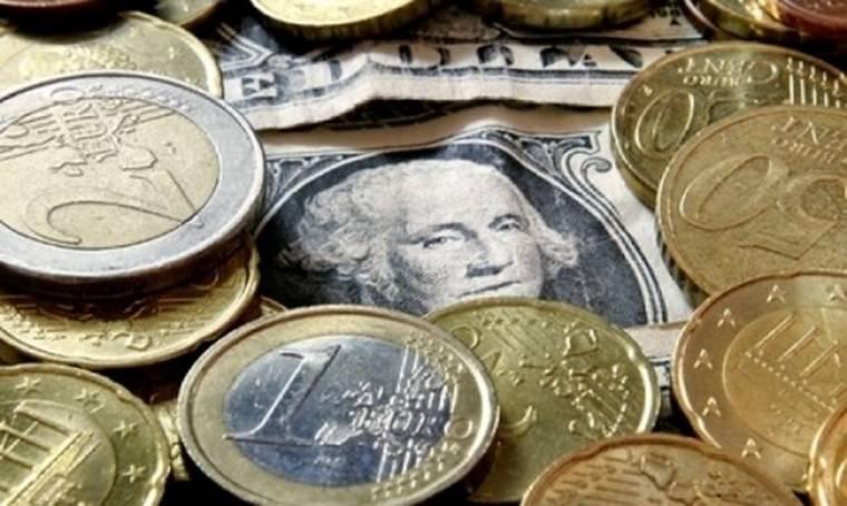 Ανεβαίνει το ευρώ… πέφτει το δολάριο