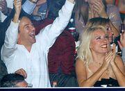 Μενεγάκη-Παντζόπουλος: Τρυφερά φιλιά και αγκαλιές (φωτό)