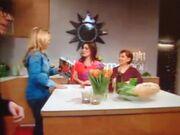 Η Πασχαλίδου μαγειρεύει με τη μητέρα της