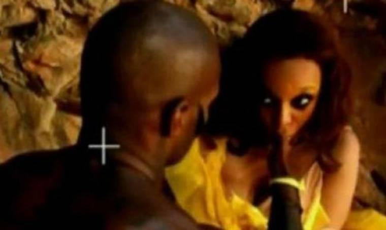 VIDEO: Tyra Banks: Γιατί ρουφάει το δάχτυλο του Tyson Beckford;