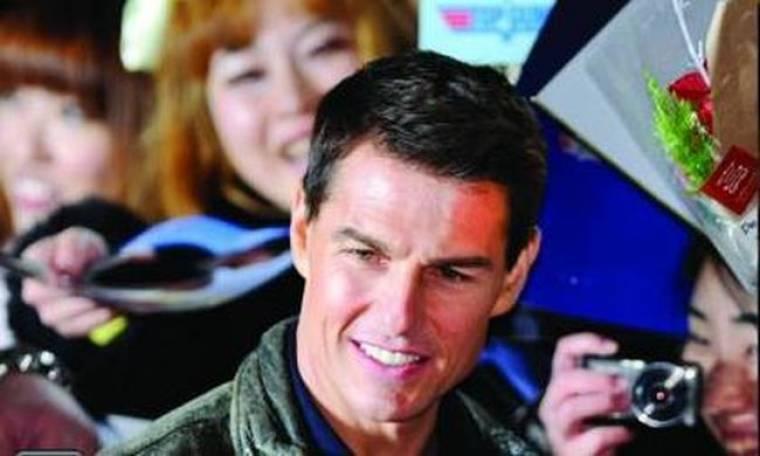 Video: Η ροκ πλευρά του Tom Cruise