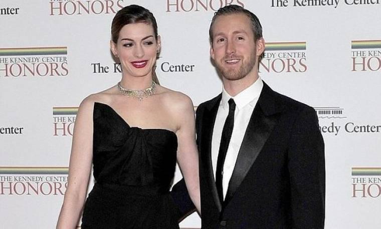 Anne Hathaway – Adam Shulman: Η πρώτη επίσημη εμφάνιση στο κόκκινο χαλί