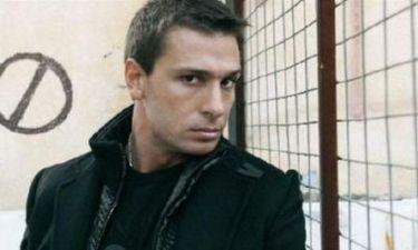 Με νέα σύντροφο και νέο look ο Γιάννης Μαρακάκης!