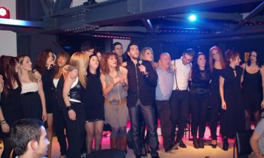 Ενθουσίασαν οι σπουδαστές του «ART STUDIO» στη βραδιά για το Νίκο Γκάτσο