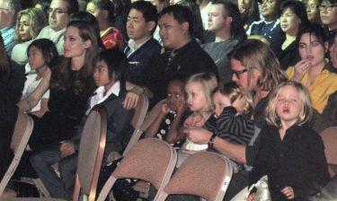 Angelina Jolie – Brad Pitt: Φωτογραφίες μέσα από το θέατρο