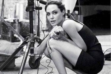 Angelina Jolie: Δεν προσπαθώ να κάνω μάθημα ιστορίας