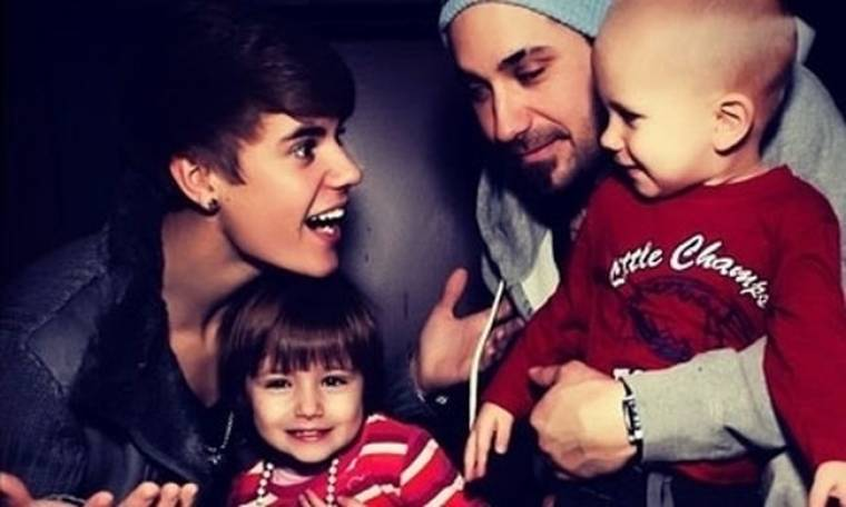 Η οικογενειακή φωτογραφία του Justin Bieber