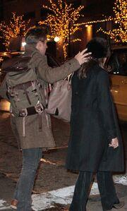 Ποιο διάσημο ζευγάρι ανταλλάσσει φιλιά στη Νέα Υόρκη;