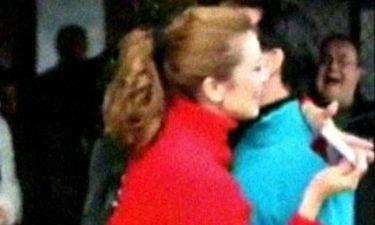 Το Πρωτοχρονιάτικο φιλί της Μανωλίδου στον Άδωνι