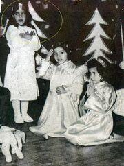 Αναγνωρίζετε τη μικρή σκανταλιάρα της φωτογραφίας;